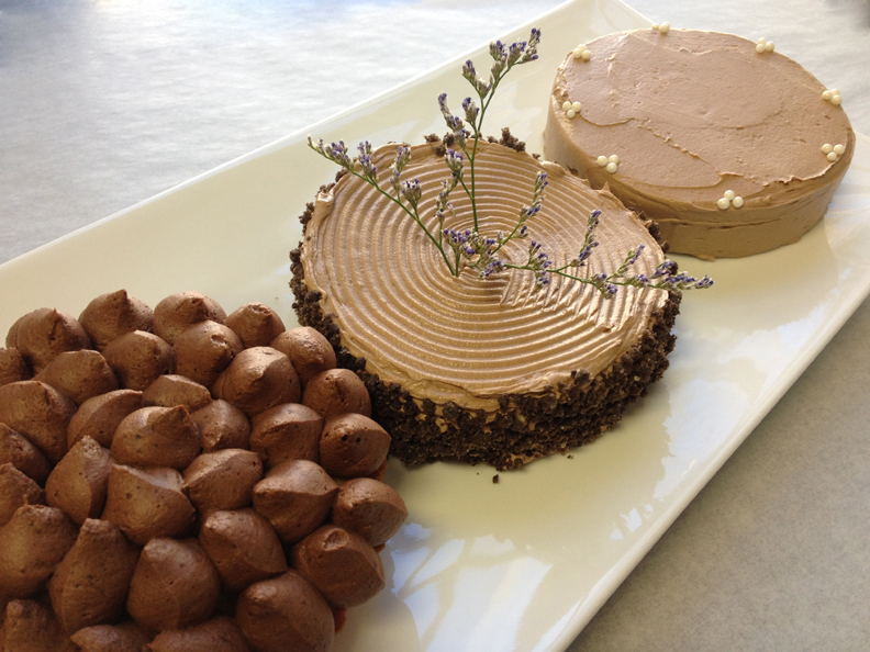 Small Chocolate Cake Design : Eileens Bakery and Cafe Chocolate Mini Wedding Cakes