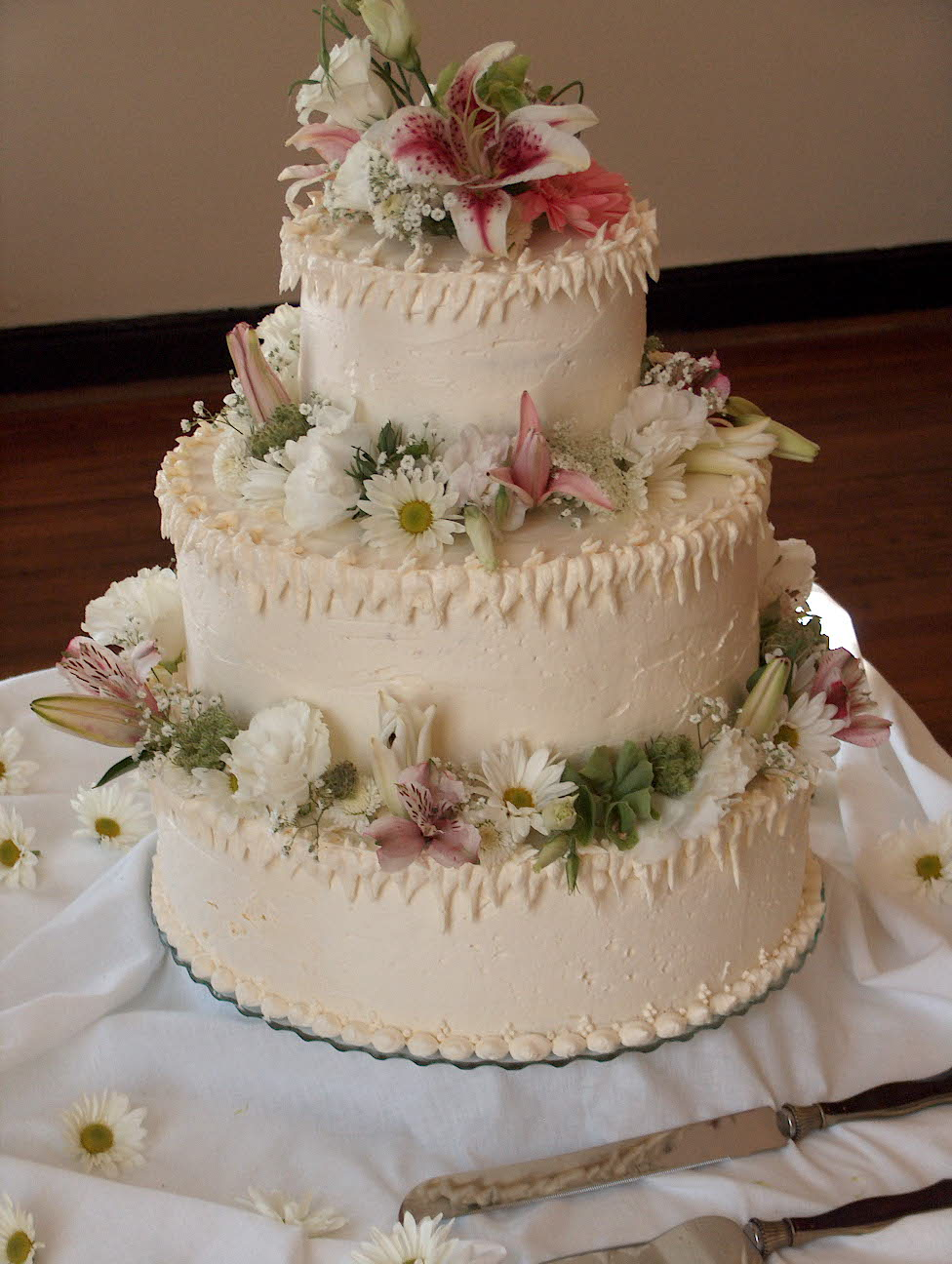 eileens bakery and cafe wedding cake with butter cream frosting